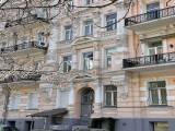 Антоновича, 23 сдам трехкомнатную квартиру с террасой метро пл. Льва Толстого